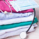 Damskie i męskie kolorowe bluzy medyczne
